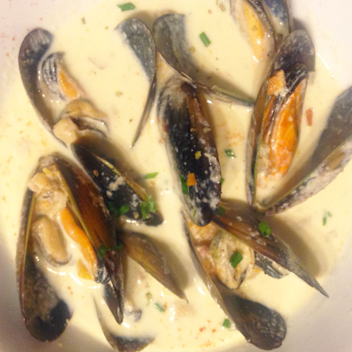 creamy-mussel-soup-recipe-kerry-dunkley-SQ