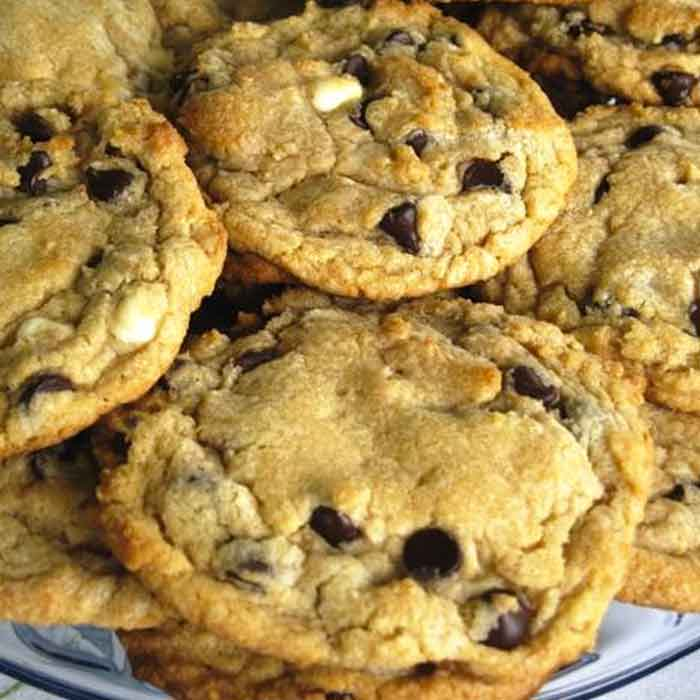 kerry-dunkley-bake-jumbo-chewy-choc-chip-cookies-sq